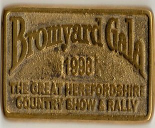 Bromyard Gala Brass Plaque 1998.jpg- NOT stolen by me!! - 103238 Bytes